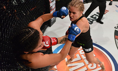 Hoa khôi MMA bị đánh bầm dập nhiều người thương - 1