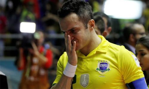 Tin HOT tối 23/9: Sao MU đồng lòng vì Mourinho - 3