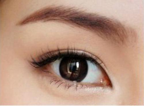 Cách trang điểm để có đôi mắt to tròn như Angela Baby - 11