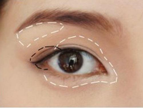 Cách trang điểm để có đôi mắt to tròn như Angela Baby - 10