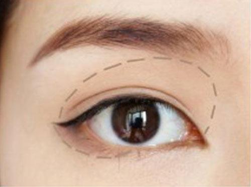Cách trang điểm để có đôi mắt to tròn như Angela Baby - 8