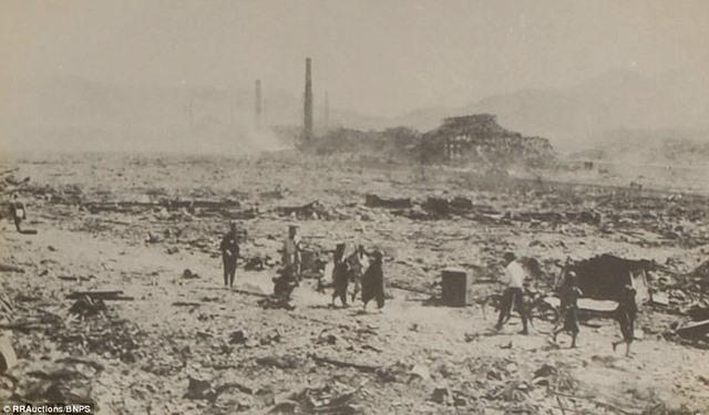 Ảnh hiếm:12 tiếng sau khi Mỹ ném bom nguyên tử Nagasaki - 6