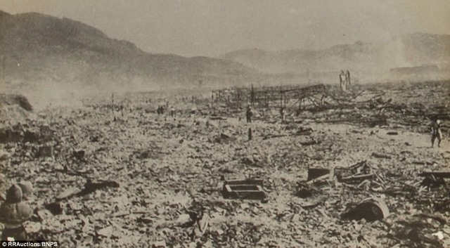 Ảnh hiếm:12 tiếng sau khi Mỹ ném bom nguyên tử Nagasaki - 7
