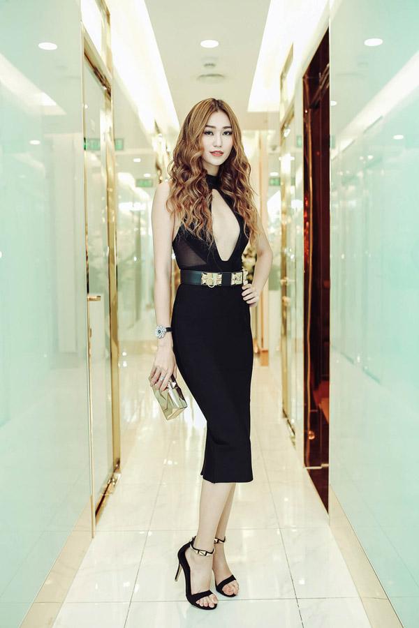 Huyền My, Phạm Hương đẹp nhất tuần với gam đen, trắng - 7