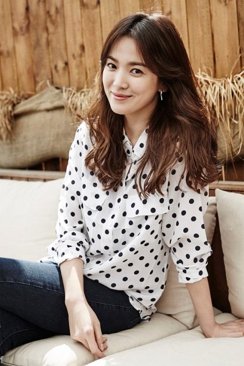 Váy giản dị của Song Hye Kyo cũng tốn 50 triệu đồng - 4