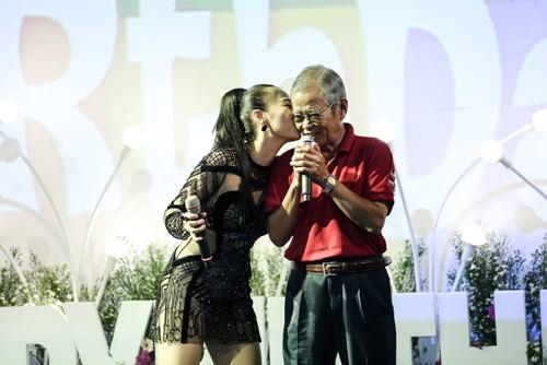 Thu Minh khóc nức nở, xin lỗi bố mẹ vì những scandal - 5