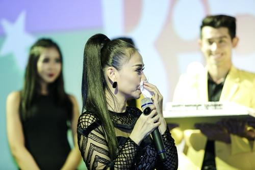Thu Minh khóc nức nở, xin lỗi bố mẹ vì những scandal - 2