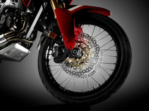 So găng Honda CRF1000L Africa Twin và Yamaha Super Tenere - 5