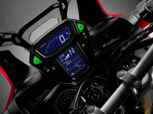 So găng Honda CRF1000L Africa Twin và Yamaha Super Tenere - 4