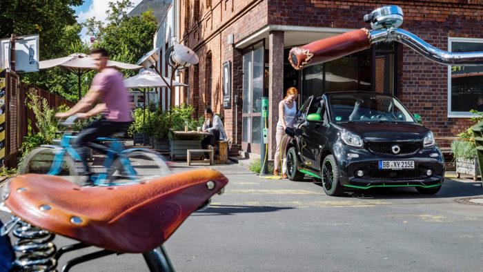 Smart ForTwo Electric Drive 2017 có khả năng chạy với phạm vi 160 km - 3