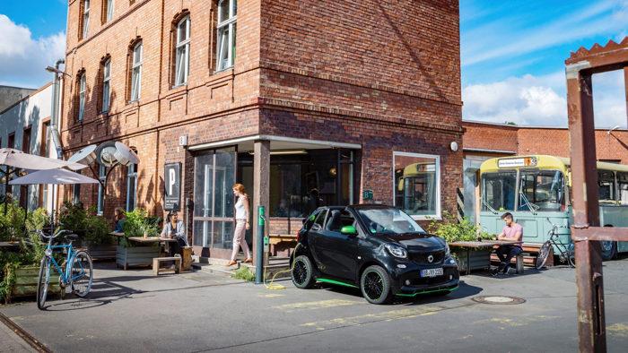Smart ForTwo Electric Drive 2017 có khả năng chạy với phạm vi 160 km - 5