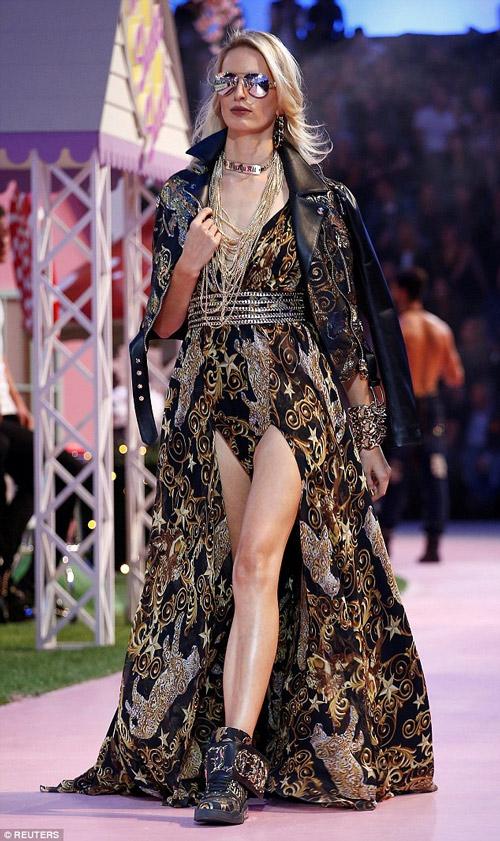 Ái nữ tỷ phú Paris Hilton lộ dáng thô khi làm người mẫu - 10