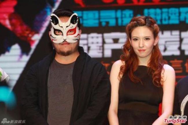 """Một đại gia Trung Quốc giấu mặt đã quá mê mẩn mỹ nhân mà mà sẵn sàng chi tới 200 tỉ đồng để  """" mua """"  Takizawa Rola trong vòng 15 năm."""