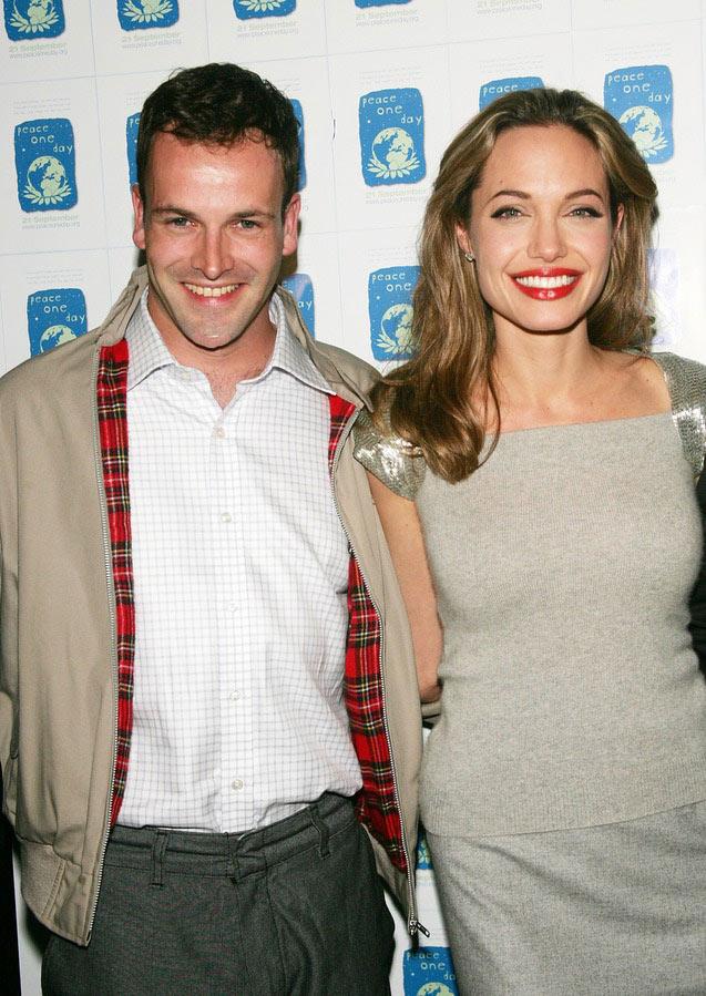 3 người chồng đặc biệt trong cuộc đời của Angelina Jolie - 1