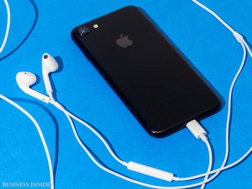 Apple phát hành iOS 10.0.2: Sửa lỗi tai nghe EarPods trên iPhone 7 - 1
