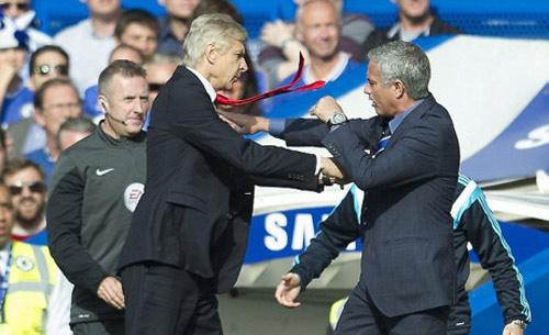 Wenger đấu 12 đời HLV Chelsea: Trở lại với thời cuộc - 3