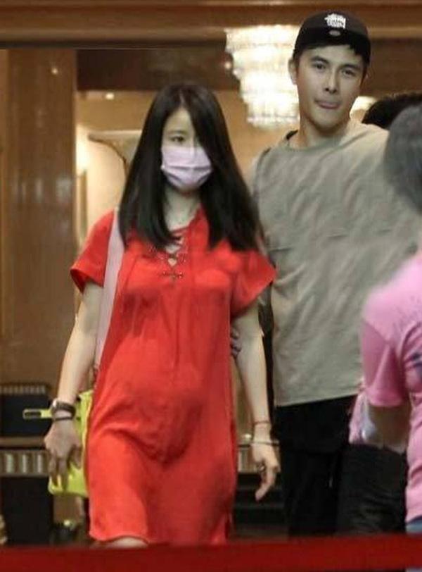 """""""Tiểu Long Nữ"""" và vợ Huỳnh Hiểu Minh: Ai bầu đẹp hơn? - 10"""