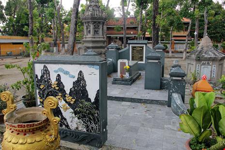 Hai lần di dời ngôi mộ cổ Thượng thư Ngô Nhân Tịnh - 1