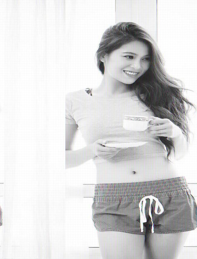 Nhung Kate (tên thật là Hồng Nhung) sinh năm 1989, cô theo học tại Đại học Văn hóa Hà Nội sau đó tốt nghiệp khoa diễn viên của Cao đẳng Nghệ thuật Hà Nội.