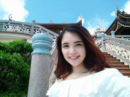 Chị gái trẻ trung hơn Hòa Minzy dù chênh nhau 3 tuổi - 8