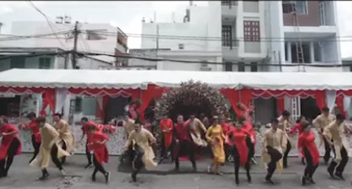 Cặp đôi Sài thành nhảy tưng bừng trong đám cưới - 1