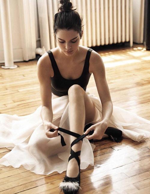 Kendall hóa vũ công ba lê kiêu kỳ trên Vogue - 8
