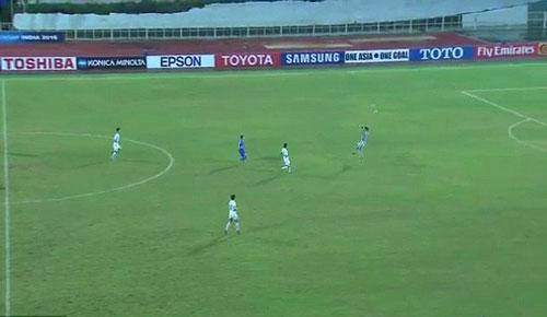 """U16 châu Á: Thủ môn Triều Tiên lọt lưới như """"bán độ"""" - 1"""