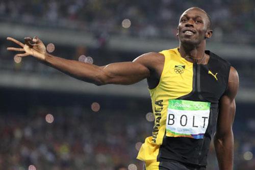 Tin thể thao HOT 24/9: Bolt được mời chơi bóng bầu dục - 1