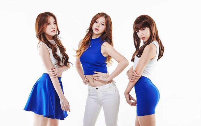Trên sân khấu của chương trình  I can see your voice season  (chương trình đang làm mưa làm gió xứ Hàn), ba cô gái xinh đẹp đã trổ tài hát hay, nhảy giỏi. & nbsp;