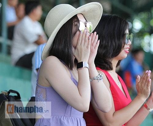 """Hoàng Thiên được hot girl """"thưởng nóng"""" sau vô địch Men's Futures - 4"""
