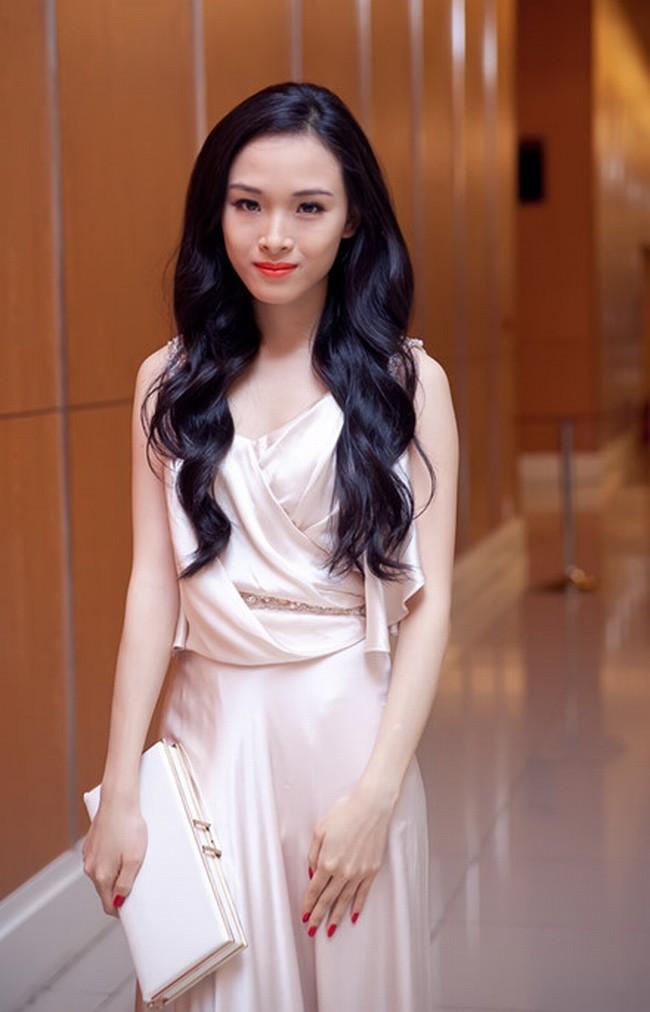 Ngỡ ngàng vì Hoa hậu Phương Nga giống hệt Châu Tấn - 14