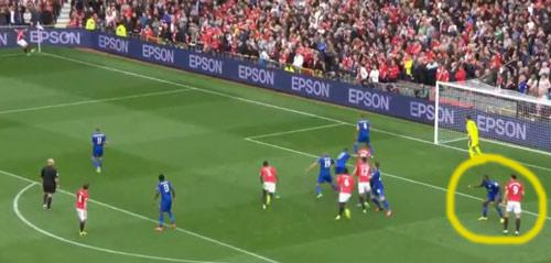 Góc chiến thuật MU: Không Rooney, Pogba rực sáng - 3