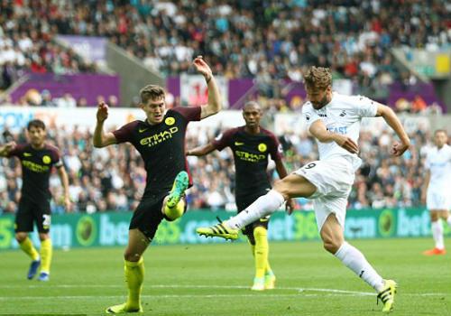 Swansea - Man City: Sàn diễn của Aguero - 1