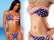 """Mẹo """"tái chế"""" áo phông cũ thành bikini 2 mảnh gợi cảm"""