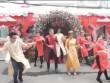 Cặp đôi Sài thành nhảy tưng bừng trong đám cưới