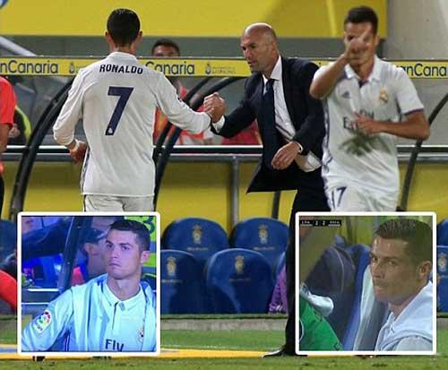 Bị thay giữa chừng, Ronaldo không thèm nhìn Zidane - 2