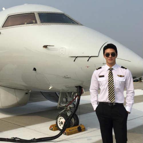 """""""Đổ gục"""" trước chàng phi công đẹp trai nhất Hàn Quốc - 1"""