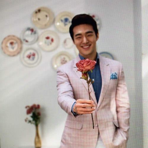 """""""Đổ gục"""" trước chàng phi công đẹp trai nhất Hàn Quốc - 5"""