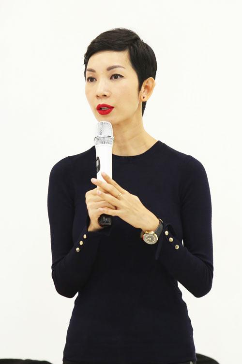 Bộ 3 mẫu Tây điển trai dự tuyển Elle show Việt Nam - 1