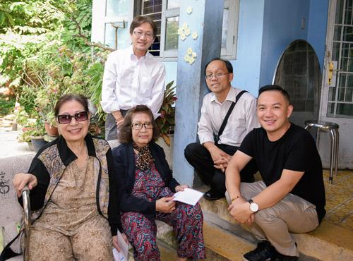 Gia đình Minh Thuận dùng tiền phúng điếu làm từ thiện - 4