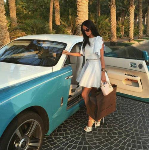 """""""Tròn mắt"""" cuộc sống ngập tiền của con nhà giàu Dubai - 10"""