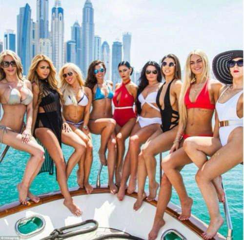 """""""Tròn mắt"""" cuộc sống ngập tiền của con nhà giàu Dubai - 6"""