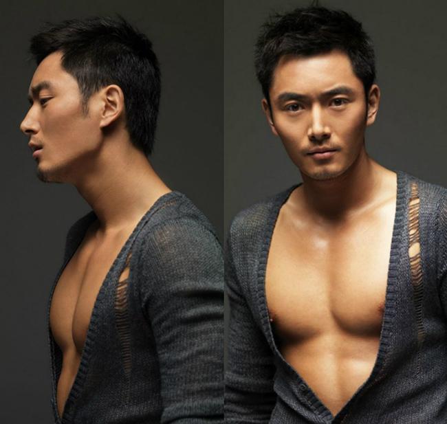 Vai diễn Bao Chửng hay Bao Thanh Thiên trong phim được giao cho nam diễn viên điển trai Lý Đông Học.