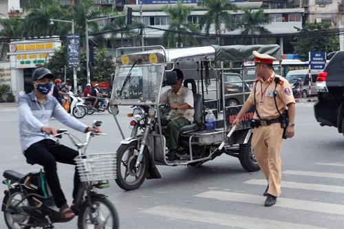 """Hà Nội thu giữ hàng loạt xe chở """"tử thần"""" - 2"""