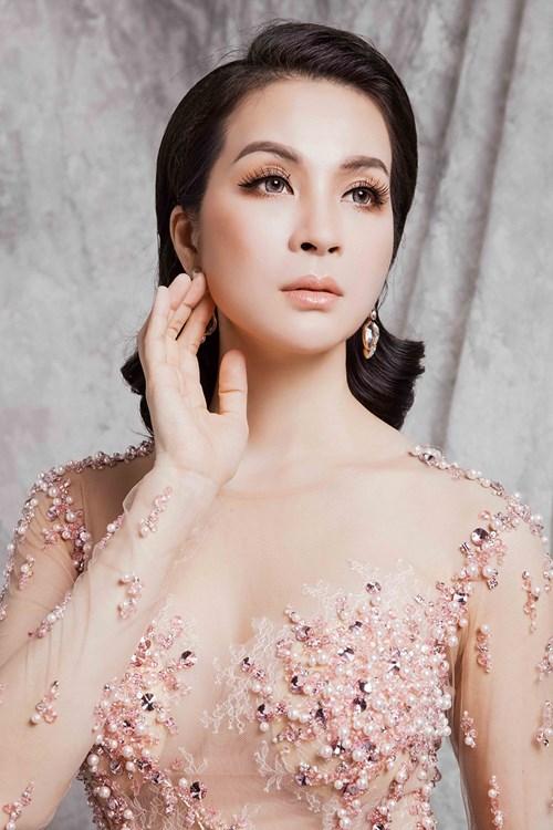 Ở tuổi 43, MC Thanh Mai vẫn gợi cảm đến mê hồn - 1
