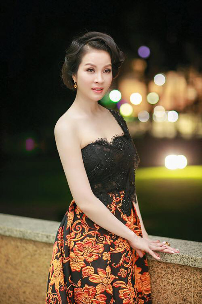 Ở tuổi 43, MC Thanh Mai vẫn gợi cảm đến mê hồn - 18