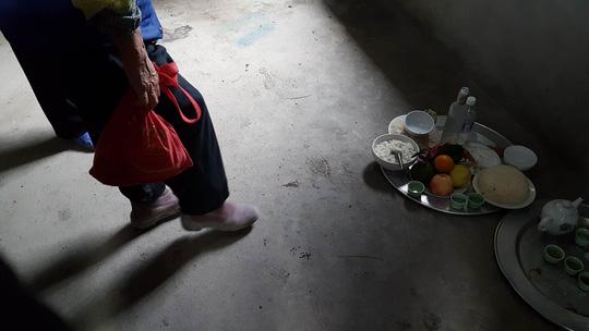 Dấu vân tay, giày lạ trong ngôi nhà 4 bà cháu bị sát hại - 2
