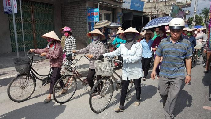 Dòng người kéo dài 3km tiễn đưa 4 bà cháu ở Quảng Ninh - 7