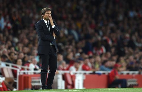 """Chelsea khủng hoảng: Mourinho, Conte đều bị """"trói tay"""" - 6"""