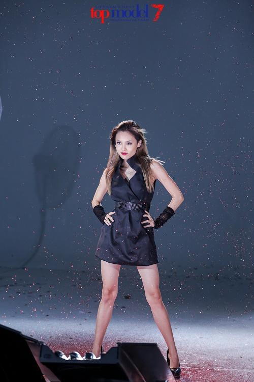 Hot girl 1m54 xuất sắc lọt vào chung kết Next Top Model - 1